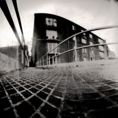 Google Image Result for http://pixelcurse.com/wp-content/uploads/2011/05/pinhole_photography_17.jpg