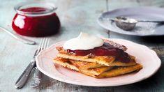 Pannukakku maistuu koko perheelle niin aamiaisella, jälkiruokana kuin iltapalanakin. Pannukakun voi tehdä myös kasvismaitojuomaan.