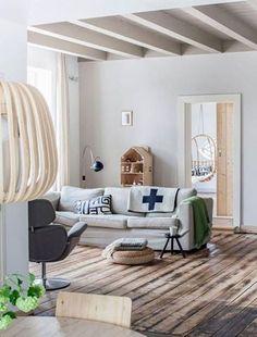 這棟位於荷蘭郊區的別墅,原本是間農舍,經過改建之後,選擇性地保留一些粗獷的木材,融合白色背景,讓斯堪地那維亞風格多了野趣風味。 pic via myscandinavianhome