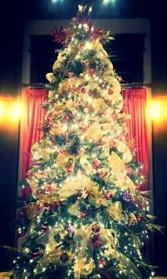 This is the tree I decorate for my friend Rhonda.