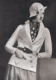 Oh my word, I don't know which part of this 1930s outfit I love the most!!