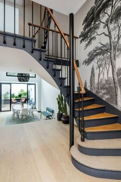 diy home 18788523432273171 - L'ancien escalier comme élément structural Source by pauline_ram Home Stairs Design, Interior Stairs, Stair Design, Foyer Design, Home Remodeling Diy, Home Renovation, Architecture Renovation, Casa Milano, Escalier Design