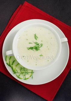 Sopa fría de pepino y coco al eneldo y perejil. #receta #vegana
