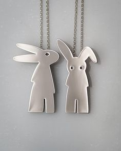 Jewelry | Jewellery | ジュエリー | Bijoux | Gioielli | Joyas | Art | Arte | Création Artistique | Artisan | Precious Metals | Jewels | Settings | Textures | Silver or Gold rabbit necklace on sterling silver chain