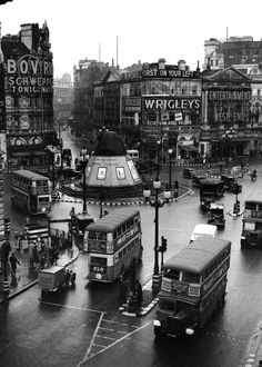 Piccadilly Circus, London - 1 May 1939