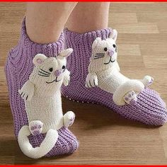 Similar image - Stricken Knitted Slippers, Crochet Slippers, Slipper Socks, Crochet For Kids, Crochet Baby, Knit Crochet, Knitting Socks, Baby Knitting, Knitting Patterns
