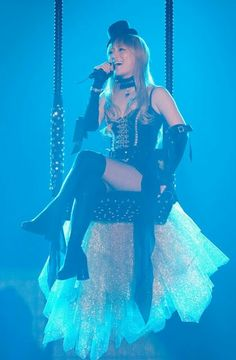"""Ayumi Hamasaki, Asia Tour 2007, opening with the song """"Evolution"""" This is one of my favorite show costumes of her :)"""