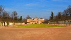 Schloss Favorite - Vorderansicht