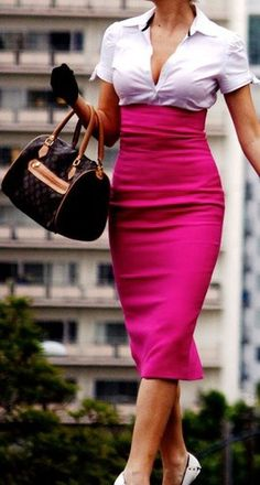 Custom High-Waisted Pink Pencil Skirt--will love this outfit once I have become mostly physically fit! Pink Pencil Skirt, High Waisted Pencil Skirt, Pencil Skirts, Pencil Dress, Style Work, Mode Style, Robes Glamour, Mode Rose, Look Fashion