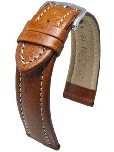 Hirsch Buffalo: The coarse leather structure and characteristic grain is reminiscent of the wild, untamed leather of saddle straps. Buffalo is a deliberate tribute to the beauty of riding. As part of the HIRSCH Nature line, the naturally tanned calf leather with discreet padding and contrast stitching will develop its individual look over time.