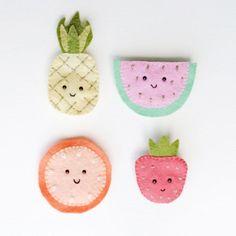 Fun Felt Fruit Brooches | Craft Gawker | Bloglovin'