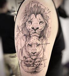 Tatuagem, piercing e arte (@tattoo2me) • Fotos e vídeos do Instagram Black Tattoos, Small Tattoos, Cool Tattoos, Mama Tattoo, I Tattoo, Time Tattoos, Tatoos, Lion Art, Tattoo Drawings