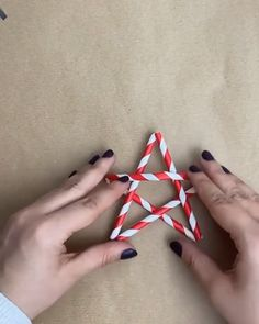 Diy Crafts For Home Decor, Diy Crafts Hacks, Handmade Home Decor, Diy Craft Projects, Christmas Rock, Christmas Crafts, Homemade Dream Catchers, Christmas Cake Designs, Cool Paper Crafts