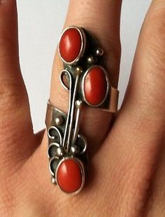 Vintage Native American Sterling Silver Coral 3 Stone Ring