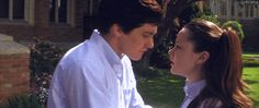 Donnie and Gretchen in Donnie Darko. One of my all time favourites. Traumatised me gently. #donniedarko #gemmamalone #jakegyllenhaal #film
