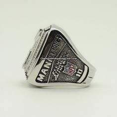 2007 New York Giants Super Bowl XLII Championship Ring.Best gift from www.championshipringclub.com for New York Giants fans. Custom your own championship ring now!