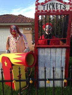 2015 carnevil photo 2 3jpg - Scary Clown Halloween Decorations