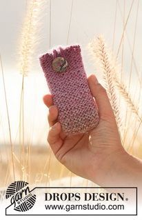 "Knitted DROPS mobile pouch in ""Delight"". ~ DROPS Design"
