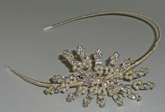 BO14M. Side spray tiara with crystals and pearls.