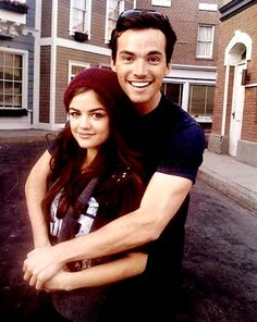 Pretty Little Liars - Ezra & Aria <3
