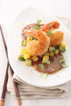 Serviervorschlag für Marinierter Thunfisch mit Avocado-Mango-Tatar und gebackenen Riesengarnelen