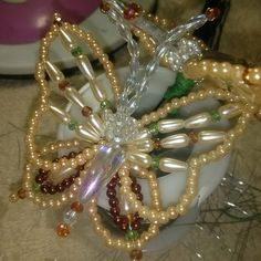 - Best DIY and Crafts Ideas Butterfly Crafts, Flower Crafts, Beaded Crafts, Jewelry Crafts, Bead Jewellery, Beaded Jewelry, Pearl Decorations, Beaded Spiders, Beaded Christmas Ornaments
