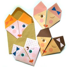 Inspiration: Origami Notes from Lollipop via Handmade Charlotte. Also with other patterns like fruits, animals and hearts. Can also DIY this. Origami Folding, Useful Origami, Origami Easy, Origami Paper, Diy Paper, Paper Art, Paper Crafts, Oragami, Crafty Kids