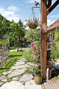 Natural Garden, Gardening Tips, Countryside, Home And Garden, Cottage, Outdoor Structures, Nature, Pictures, Inspiration