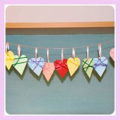 Easy wool-wrapped heart decorations - perfect Valentine's Day project. #craft