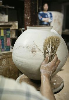 A Beautiful Life – Short Film on South Korean Ceramic Artist Lee Kang-Hyo   OEN
