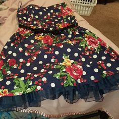TORRID SIZE 20 Flower polka dot dress HAS TULLE UNDER SKIRT WITH SWEETHEART   NECKLINE. STRAPLESS. NAVY. PRELOVED BUT IN GREAT CONDITION. Comes with original black belt torrid Dresses Strapless
