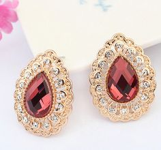 CHARACTERISTIC WATER-DROP LACE EARRINGS