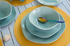 A coleção Ryo Blue Bay também traz a técnica da aplicação da granilha em suas peças. Foto: Karla Rudnick.