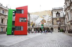 Richard Rogers builds low-cost Houseshell at Royal Academy.