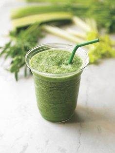 Who couldn't use more greens? Get 'em on the go with this nutrient-packed green smoothie! // spryliving.com