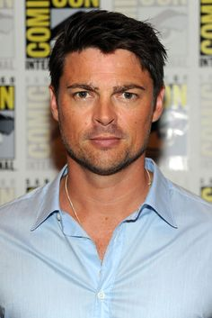 http://www.galaxypicture.com/2016/12/karl-urban-hollywood-actor-pictures-and.html