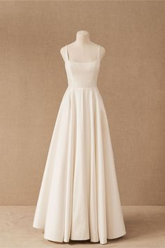 This crisp taffeta ballgown is the epitome of bridal elegance, with illusion side cutouts and a soft square neckline bringing a touch of modernity. (Plus, it has pockets! Bhldn Wedding Dress, Dream Wedding Dresses, Wedding Gowns, Prom Dresses, Fall Wedding, Wedding Ceremony, Affordable Wedding Dresses, Red Wedding, Bridesmaid Dresses