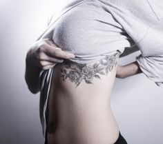 6 months healed🌹🌹🌹 . 발색 사진! . #tattoo#tattooist#tattooistsol#솔타투#lettering#soltattoo#color#colortattoo#꽃타투#flowertattoo#flower#꽃#equilattera #타투#솔타투#타투이스트솔#koreatattoo
