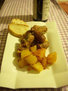 COSTINE E SALSICCE DI MAIALE CON PATATE (in umido)  http://blog.giallozafferano.it/ideenelpiatto/costine-salsicce-patate/