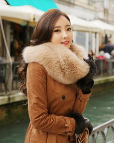 Cute Winter Outfits, Winter Fashion Outfits, Fur Fashion, Stylish Outfits, Trendy Fashion, Cute Outfits, Fashion Trends, Fur Clothing, Woman Clothing