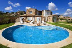 Villa Melodia - Costa Rei - Muravera - Sardinia - Sardegna.com Costa Rei, Sardinia Italy, Luxury Villa, Pixie, Cottage, Mansions, House Styles, Outdoor Decor, Holiday Beach