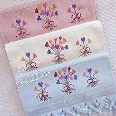Görüntünün olası içeriği: yazı Bargello, Floral Tie, Cross Stitch Patterns, Needlework, Diy And Crafts, Projects To Try, Coin Purse, Embroidery, Crochet