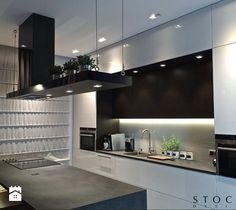 Aranżacje wnętrz - Kuchnia: Penthouse Wilanów - kuchnia - Stocki Design. Przeglądaj, dodawaj i zapisuj najlepsze zdjęcia, pomysły i inspiracje designerskie. W bazie mamy już prawie milion fotografii!
