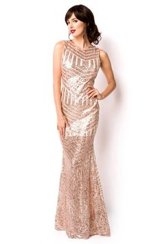 Evening dresses with a long neckline - Fashion Outfits Green Evening Dress, Sequin Evening Dresses, Sexy Evening Dress, Sequin Dress, Evening Gowns, Formal Dresses, Robes De Confirmation, Mode Outfits, Fashion Outfits