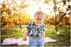 kid pictures, autumn kid pictures, fall kid pictures, mini session ideas, mini session themes, apple orchard picture ideas, Krystal Clear Photography, Beyond the Wanderlust, Inspirational Photography Blog