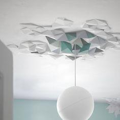 Mit diesen Polystyrol Deckenelementen gestalten Sie Ihre Decken und Wände in all Ihrer kreativer Freiheit und generieren ein einmaliges Muster, dass in Rhythmus und Größe zu Ihrem Raum passt. Einfach und spaßig anzubringen indem man die Elemente einfach auf die gewünschte Fläche klebt und mit konventioneller Wandfarbe überstreicht. Material: Polystyrol. Es gibt en Einsteiger-Set, das ausreicht für eine kleine bis mittlere Deckenrosette (ca. 0,8 m²). Für den maximalen kreativen Freiraum und…
