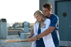 Meryl Streep's daughter is terrific and the show is promising. Mamie Gummer stars as a doctor harboring a crush on a med school classmate, played by Justin Hartley. Photo: Jack Rowand, THE CW / SF Meryl Streep Daughter, Meryl Streep Movies, Mamie Gummer, Doctors Series, Medical Series, Emergency Doctor, Justin Hartley, Doctor On Call, Netflix Original Series