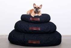 Dark denim dog pillow - photo: Sanne van den Elzen