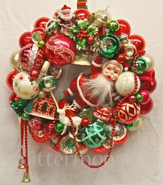 Google Image Result for http://glittermoonvintagechristmas.files.wordpress.com/2012/09/santas-greeting-wreath-c2a9glittermoon-productions-llc.jpg