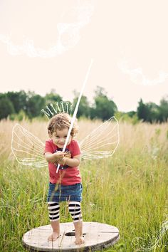 Magic wand ~used the idea of wings like this and made from coat hangers for our Elf 3 nana gloria Photography Illustration, Photo Illustration, Doodle On Photo, Photo Draw, Draw On Photos, Creative Instagram Stories, Pose, Photo Manipulation, Children Photography